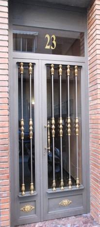 Fabricacion y venta de puertas de calle cocheras naves - Puertas de calle ...